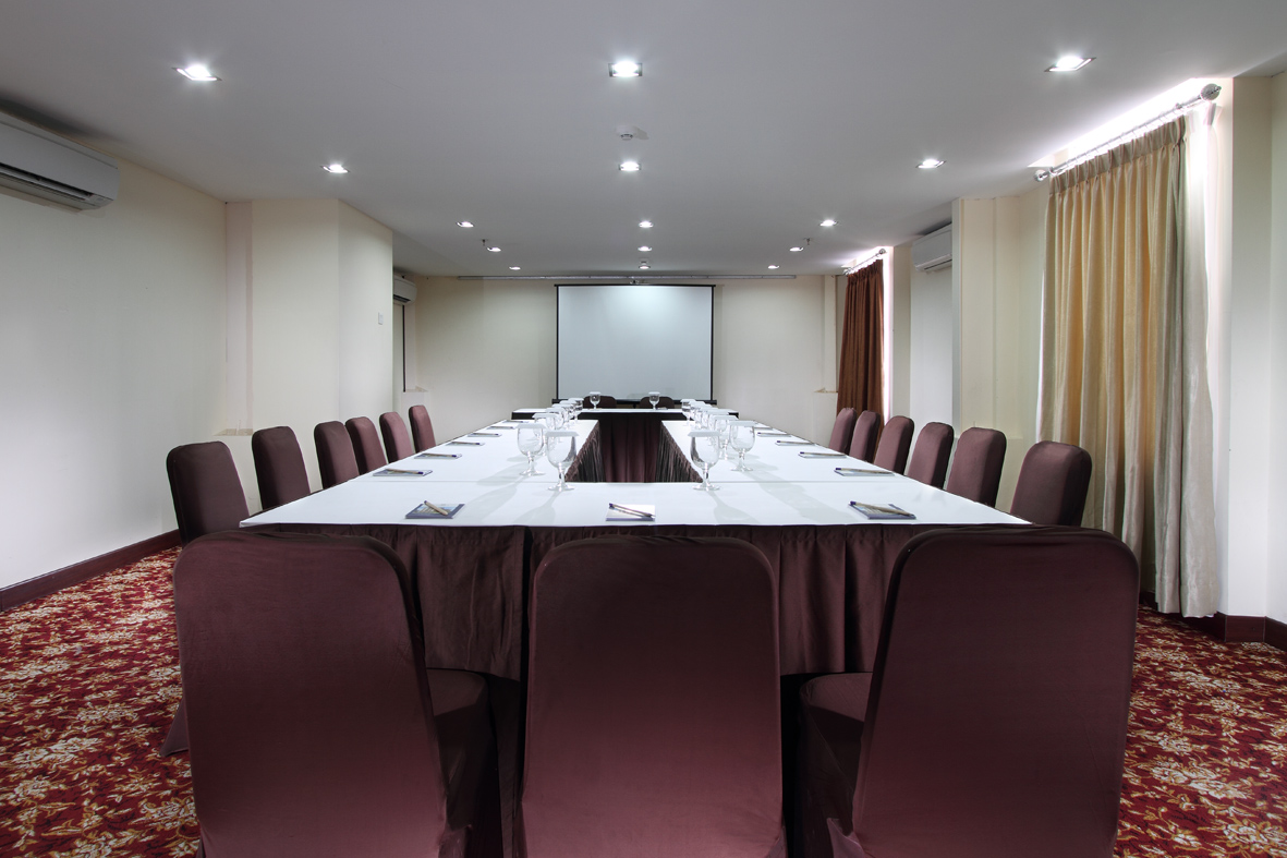 Meeting Room - Mina